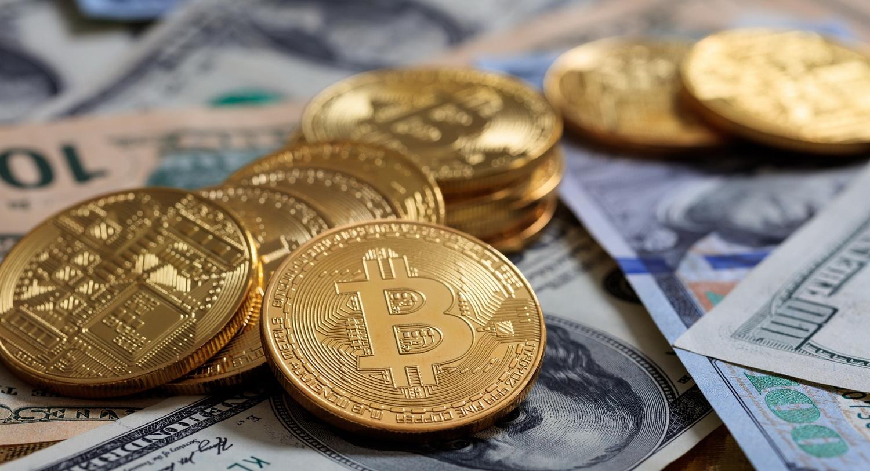 Инвестиции в биткоин или игра на бирже - фото